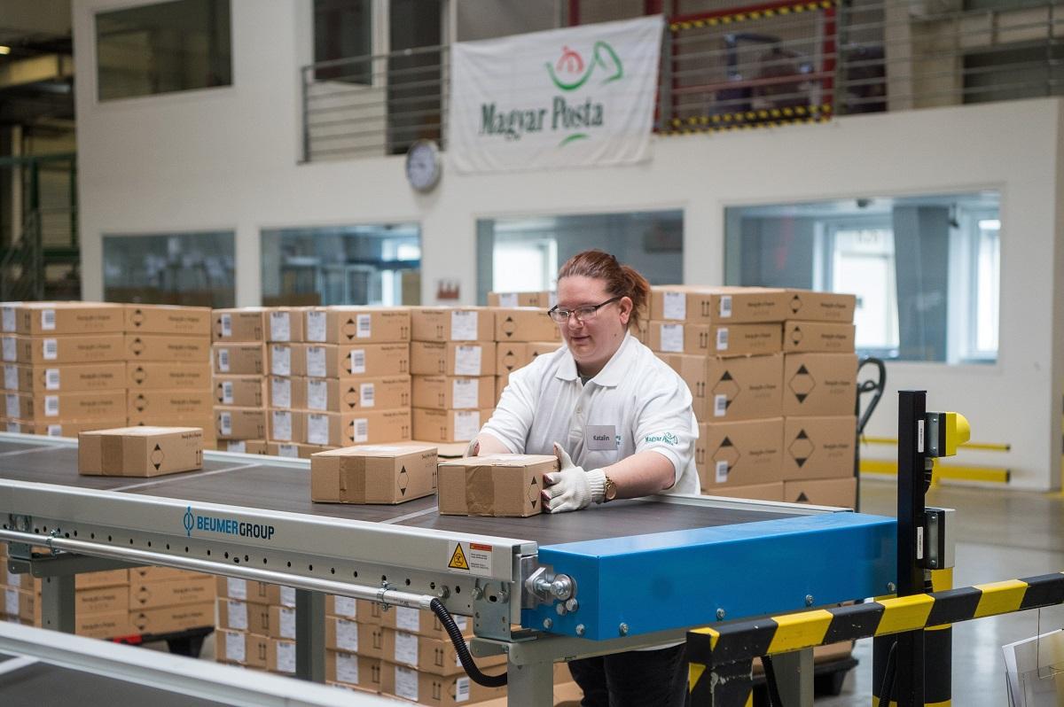 Újra húsz százalékkal nőhet a postázott árucikkek mennyisége